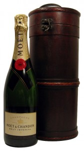 Champagne Moet et Chandon Brut Imperial in Wooden Gift Box,