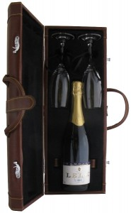 Toasting Gift Set with Champagne LeLac Brut,